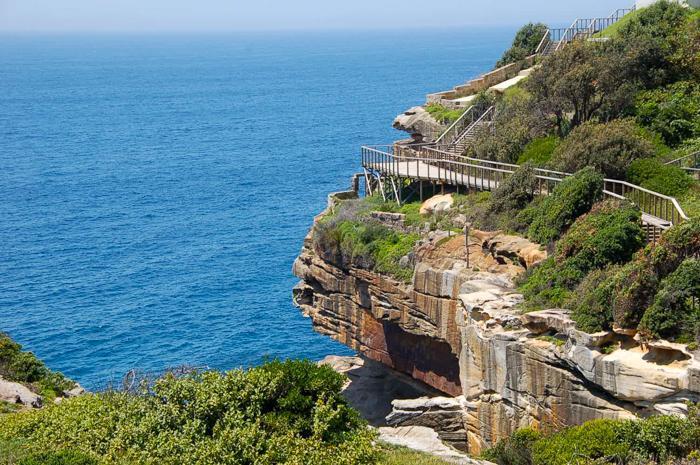 走在Cliff Walk的路上,可以观望Newport绵长的海岸线